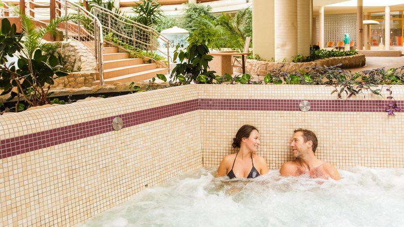 Egy tágas szentgotthárdi fürdőben lazíthat